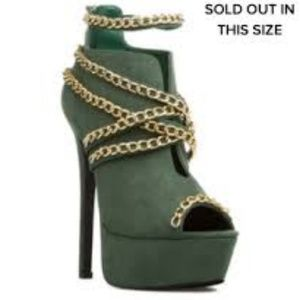 Olive Green Bootie w/Gold Chain 6.5